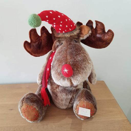 Large Sitting Moose 54335 - Enchante